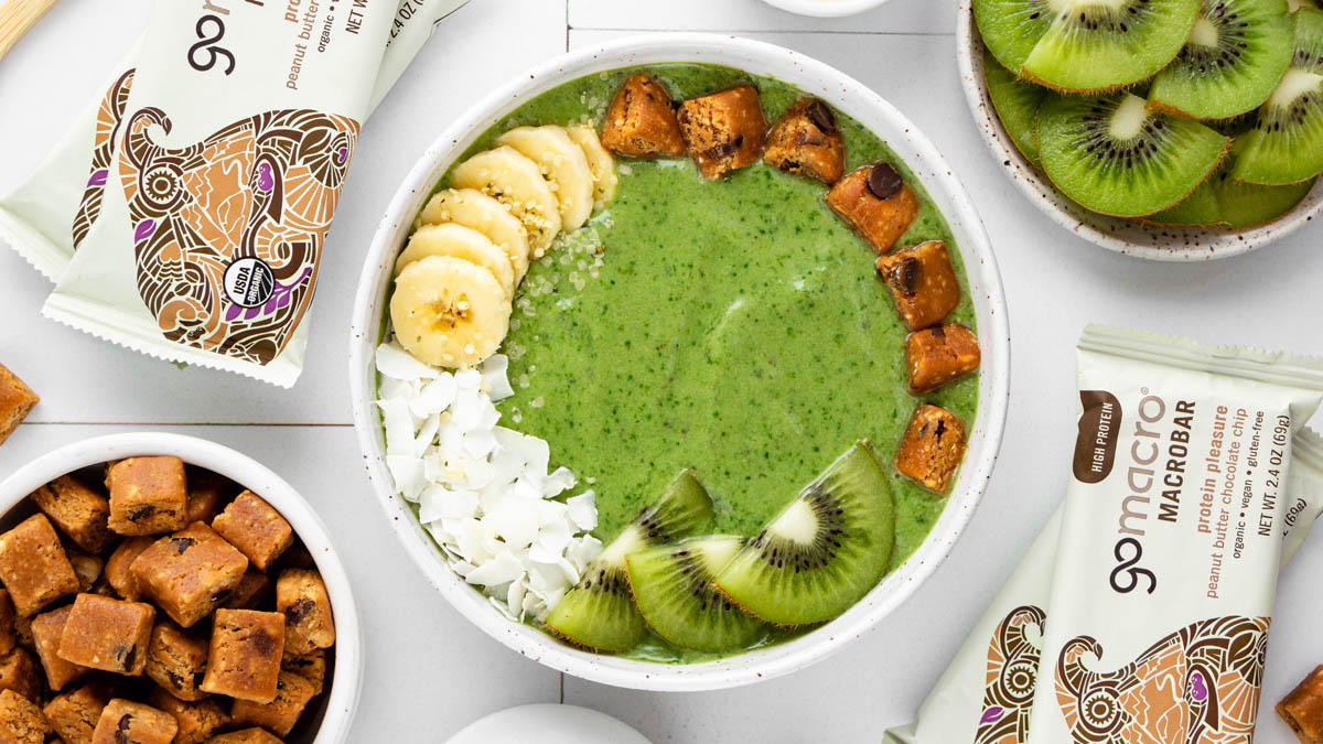 Green Peanut Butter Smoothie Bowl