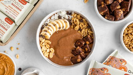 Double Chocolate & Peanut Butter Smoothie Bowl