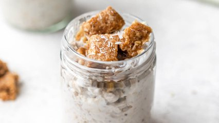 Granola + Coconut Overnight Oats